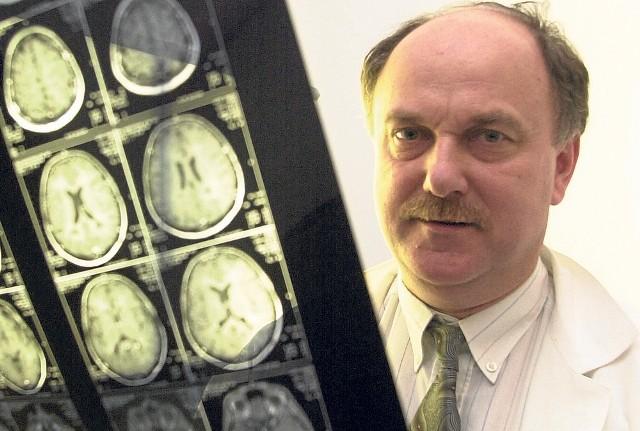 Profesor Krzysztof Selmaj prowadził w Łodzi badania nad terapią od wielu lat