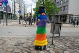 Hydranty w Poznaniu mają kolorowe kubraczki. Co to za akcja?