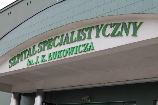 Chirurg oskarżany o nieprawidłowości już nie pracuje w chojnickim szpitalu