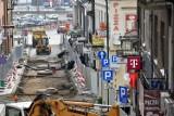 Godrom naprawia to co zostało zepsute w czasie rewitalizacji gorlickiej Starówki. Ulica Mickiecza jest nieprzejedna