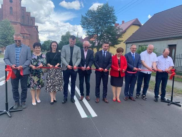 Otwarcie drogi powiatowej w Wężyskach (gm. Krosno Odrzańskie).