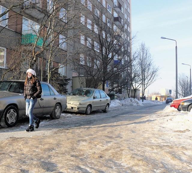 Parking będzie na os. Dolnośląskim przy bloku 204