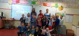 Dzień Języków Obcych w Kluczborku. Była wspólna zabawa na szkolnym boisku, tańce, formowanie flag państwowych i muzyczne zagadki