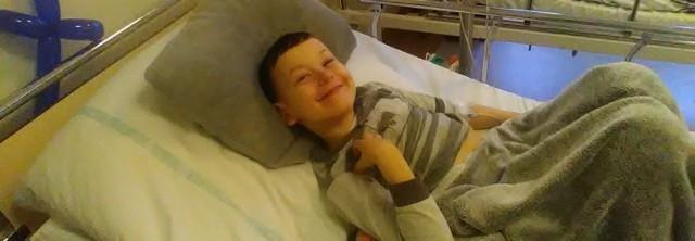 Kosztowne leczenie onkologiczne daje szanse na powrót do zdrowia Kacperka ze Sztutowa. Trwa zbiórka funduszy na ten cel.