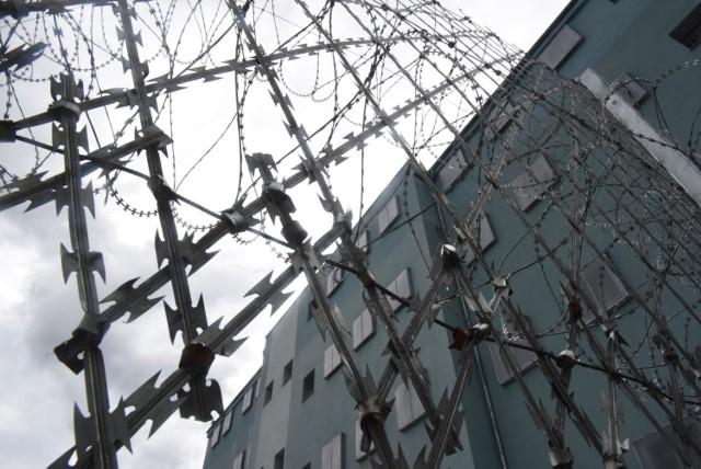 Wszyscy zatrzymani w Grudziądzu mężczyźni trafili aresztu na 3 miesiące. Mają od 23 do 28 lat.