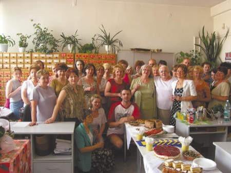 Pracownicy dąbrowskiej Miejskiej Biblioteki Publicznej tworzą bardzo zgrany zespół.