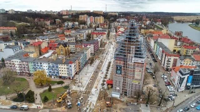Zaczął się rozbudową drogi krajowej nr 22, a zakończył przekazaniem karetki dla szpitala wojewódzkiego. Taki był 2020 rok w Gorzowie. Pamiętasz wszystkie wydarzenia?
