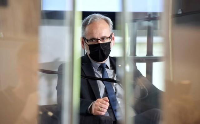 """Minister zdrowia Adam Niedzielski przyjechał do Zielonej Góry, by wziąć udział w debacie pod hasłem """"Pacjent po pandemii?"""""""