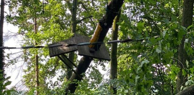Zniszczenia po nawałnicy w parku linowym w Rulewie są ogromne. Obiekt będzie nieczynny do odwołania