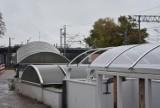 Na myszkowskim dworcu kolejowym zakładają nowe osłony nad wyjściem z tunelu ZDJĘCIA