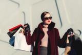 Modne kolekcje ubrań dla kobiet. Najciekawsze oferty sklepów online: H&M, Zara, Bershka, Mohito, Reserved