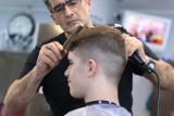Rzeszów: najlepszy fryzjer według Internautów. Do jakiego salonu fryzjerskiego w Rzeszowie udać się po otwarciu? Top 15 fryzjerów i barberów