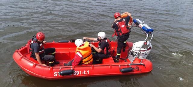 Strażacy zawodowi z Szamotuł doskonalili umiejętności z zakresu ratownictwa wodnego