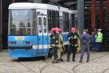 Dramatyczne chwile we Wrocławiu. Tramwaj przez kilkanaście metrów ciągnął mężczyznę