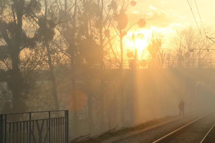Na niebezpieczne działanie smogu oprócz zarażonych...