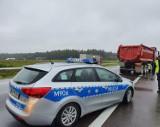 Uwaga kierowcy, wypadek na krajowej ósemce. Droga jest zablokowana