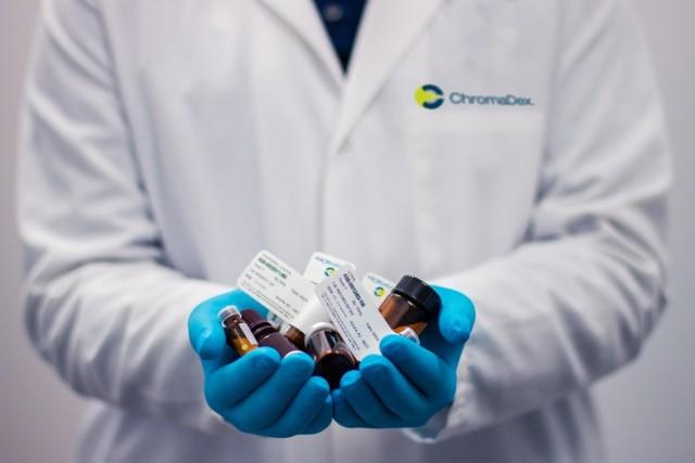 Leki bez recepty należy stosować rozsądnie. Nie wolno przekraczać zalecanych dawek i wydłużać czasu leczenia nimi, ponieważ jest to niebezpieczne dla zdrowia.
