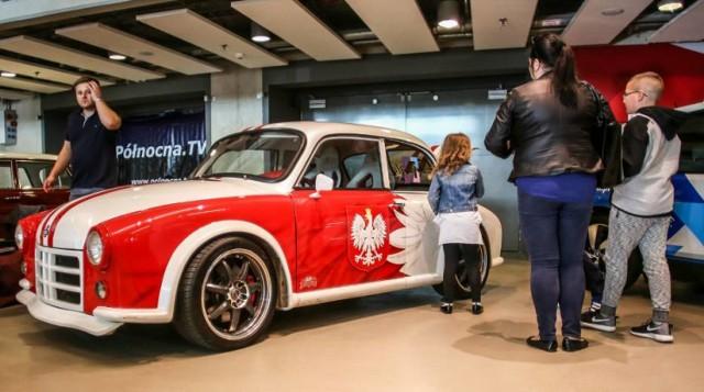 Warsaw Moto Show. Zobacz najpiękniejsze samochodowe perełki z tegorocznych targów [GALERIA]