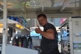 Tarnów. Zlot food trucków pod galerią Gemini. Pysznemu jedzeniu towarzyszą inne atrakcje [ZDJĘCIA]