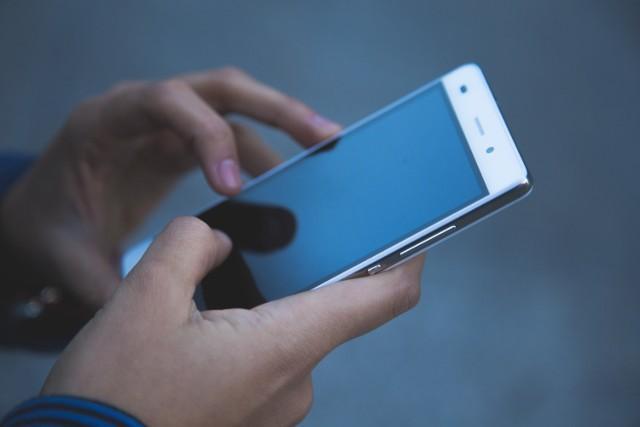 Uważaj, oszuści wysyłają fałszywe SMS-y podszywając się pod Enea