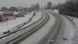 Atak zimy w Małopolsce. Fatalna sytuacja na wielu małopolskich drogach. Najlepiej jest... na Podhalu [ZDJĘCIA]