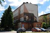 Powstał mural Krzysztofa Kamila Baczyńskiego: Miłość jest poezją [ZDJĘCIA]