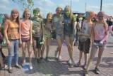 Dzień Dziecka w Parku Górników Siarkowych w Staszowie. Wśród atrakcji eksplozja kolorów i wesołe miasteczko