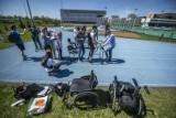Wings for Life World Run 2021: W Poznaniu dwoje biegaczy wystartowało w biegu w egzoszkieletach