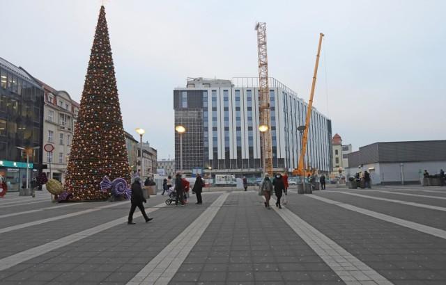 Hotel Mercure w Katowicach w grudniu 2020 ma już elewację