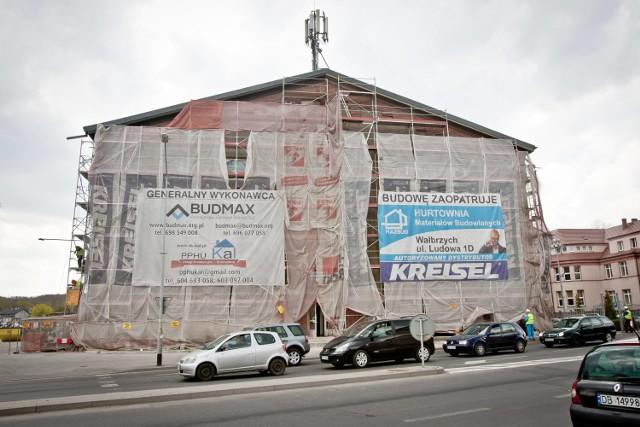 Trwa przebudowa hali byłego OSiR-u przy ul. Wysockiego w Wałbrzychu
