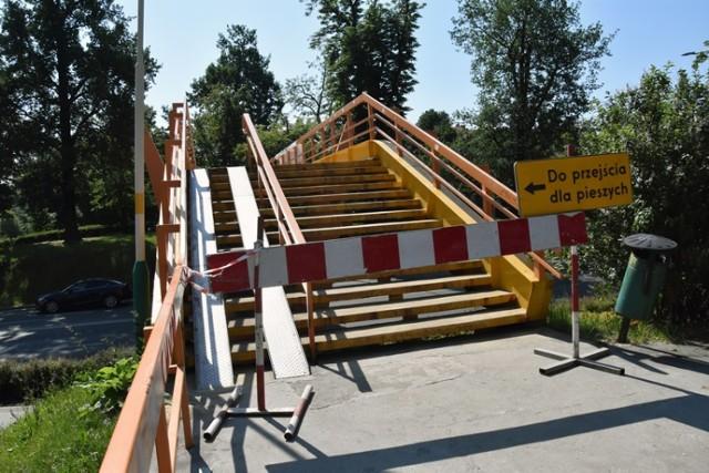 Nieczynna jest kładka dla pieszych nad ulicą Witelona w Legnicy