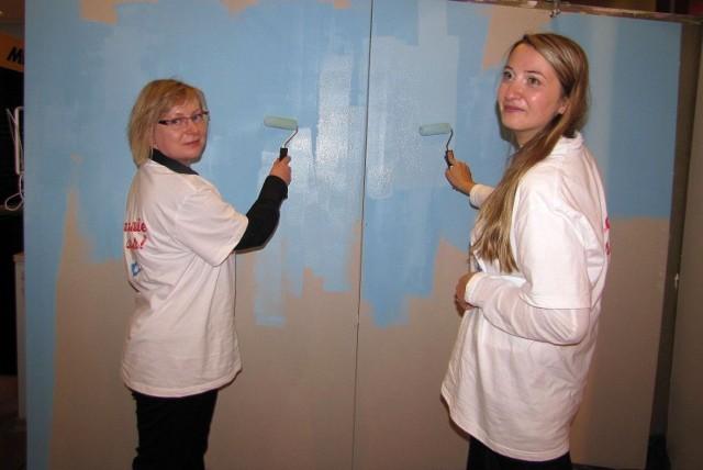 Na zdjęciu pracownice firmy Tikkurila, podczas jednej z akcji charytatywnych organizowanych przez przedsiębiorstwo