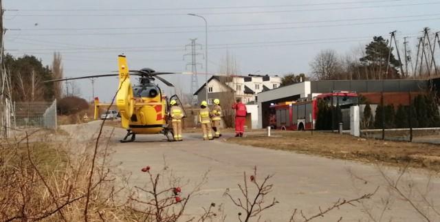 Przy ulicy Teresy Remiszewskiej lądował helikopter Lotniczego Pogotowia Ratunkowego (25.03.2021).