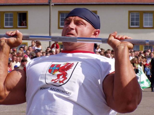 Mariusz Pudzianowski na zawodach strongmenów