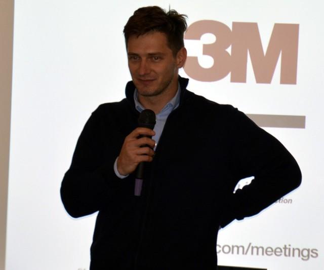 Szymon Pilch na sesji RM w Łowiczu