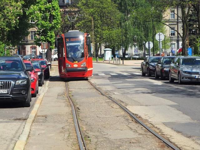 Rozpoczyna się przebudowa linii tramwajowej w Mysłowicach. Prace potrwają do końca września 2022 roku.   Zobacz kolejne zdjęcia. Przesuń w prawo - wciśnij strzałkę lub przycisk NASTĘPNE