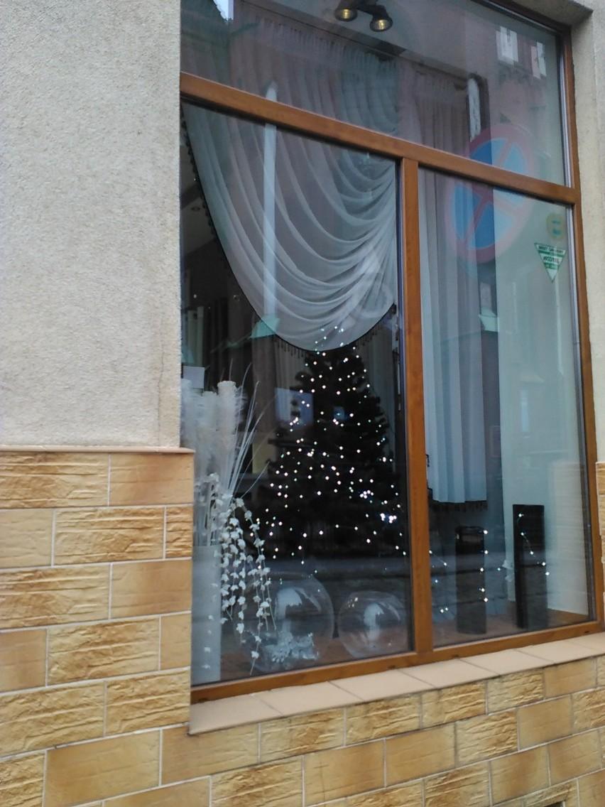 Ozdoby świąteczne sprzedają już od końca października.