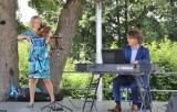 Kameralna Reda. Violin Swing Trio wystąpił w Rodzinnym Parku Miejskim. Zdjęcia czytelnika