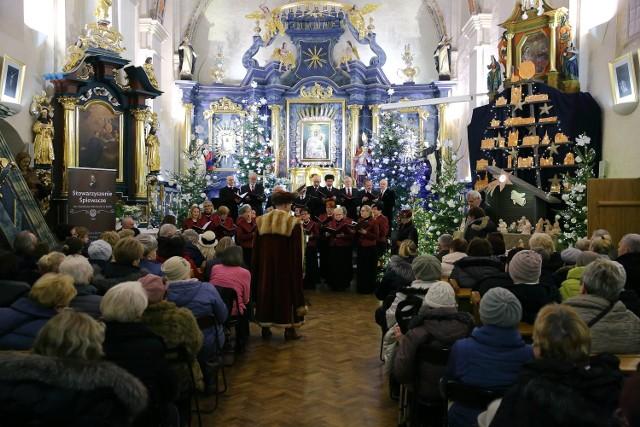 Koncert kolęd w Kościele Akademickim Matki Bożej Śnieżnej w Piotrkowie