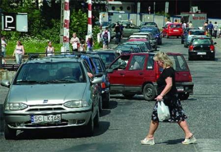 Z powodu remontu wiaduktu kierowcy i piesi przeżywają horror. Wojciech Trzcionka
