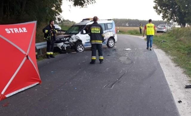 Do wypadku doszło na łuku drogi w Foluszu, gmina Gąsawa