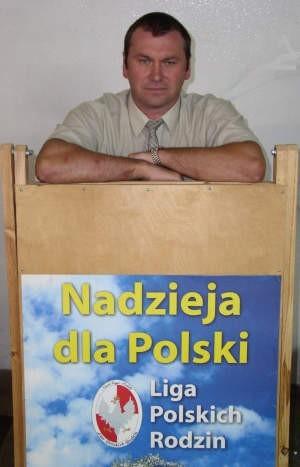 Jacek Grzelak nowy kandydat na burmistrza części czerskiej opozycji, czyli LPR, Samoobrony oraz PZCz.