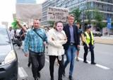 """Warszawa protestuje przeciwko polityce ratusza. """"Stop szalonym pomysłom Rafała Trzaskowskiego"""""""