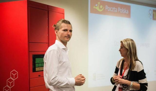 """Poczta Polska wprowadza swoje paczkomaty """"Pakomatic"""". Pierwszy już w Warszawie!"""