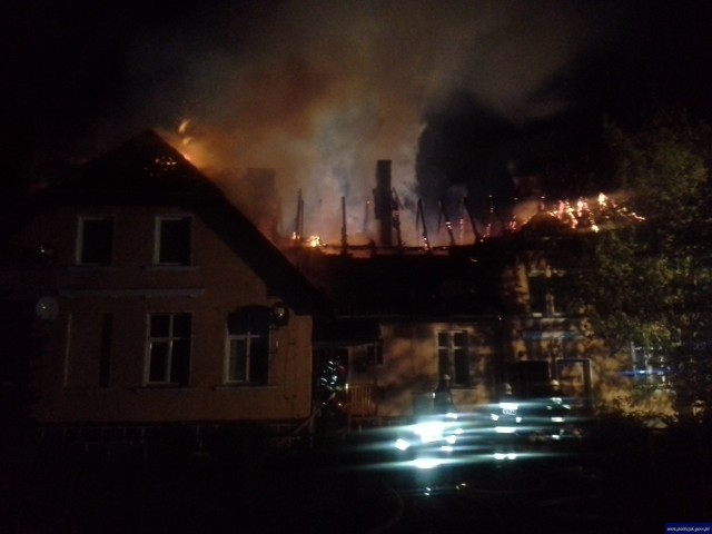 Pożar w Kandytach. Spłonął dom wielorodzinny