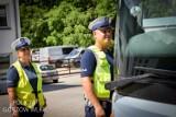 Autokary pod lupą policjantów i inspektorów ruchu drogowego. Są też specjalne punkty kontrolne