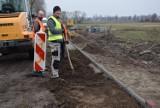 Szczaniec. Trwa budowa kolejnej ścieżki rowerowej na terenie gminy Szczaniec. We wrześniu bezpiecznie będzie można dojechać do Kupienina