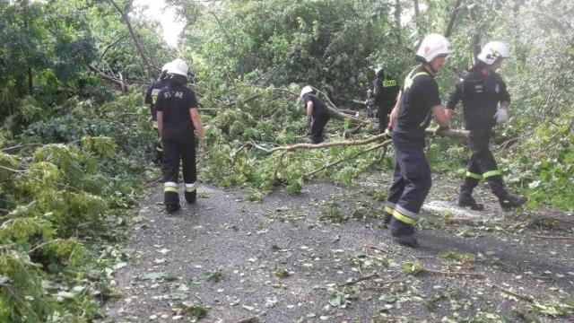 Ratownicy z gminy Chełmno angażują się od początku w pomoc poszkodowanym w nawałnicy w regionie