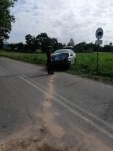 Jedna osoba została ranna podczas wypadku na drodze wojewódzkiej nr 214 w okolicach Nowej Kiszewy