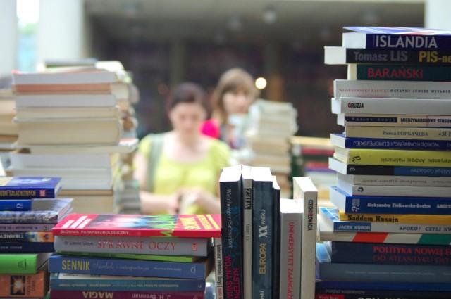 Wielka wyprzedaż książek w księgarniach Bookoff